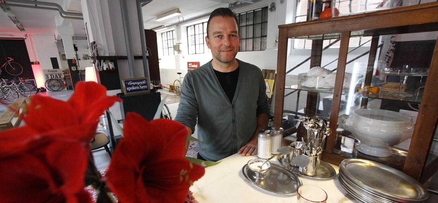 Oliver Schwarzäugl hat sein Fahrrad-Café mit Werkstatt