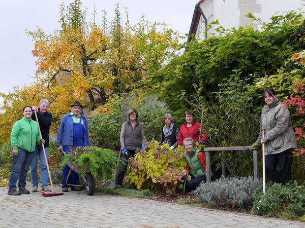 FOTO: Babett Guthmann; 28.11.2016; AB MOTIV: Ortsporträt Gundelsheim    Gartenbauverein in Aktion