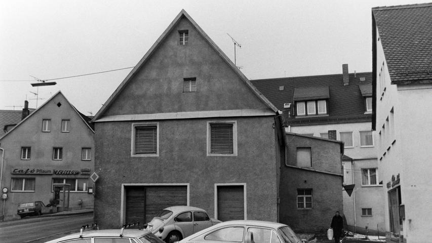 Das Geschäftshaus der Sattlerei Otto musste mitte der 1970er Jahre einer Verbreiterung der Zufahrt in die Brauhausgasse weichen.