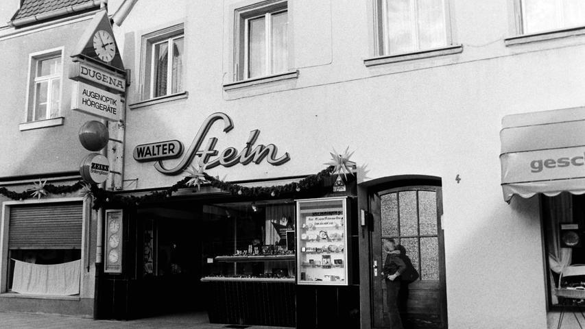 Der Juwelierladen am Unteren Markt in Pegnitz hat eine lange Tradition. Einst hat ihn Walter Stein betrieben, bevor im Lauf der Jahrzehnte mehrfach die Besitzer wechselten.