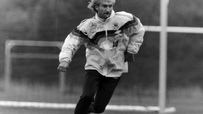 Mittelstürmer Rudi Völler in Aktion. Foto: NN-Archiv