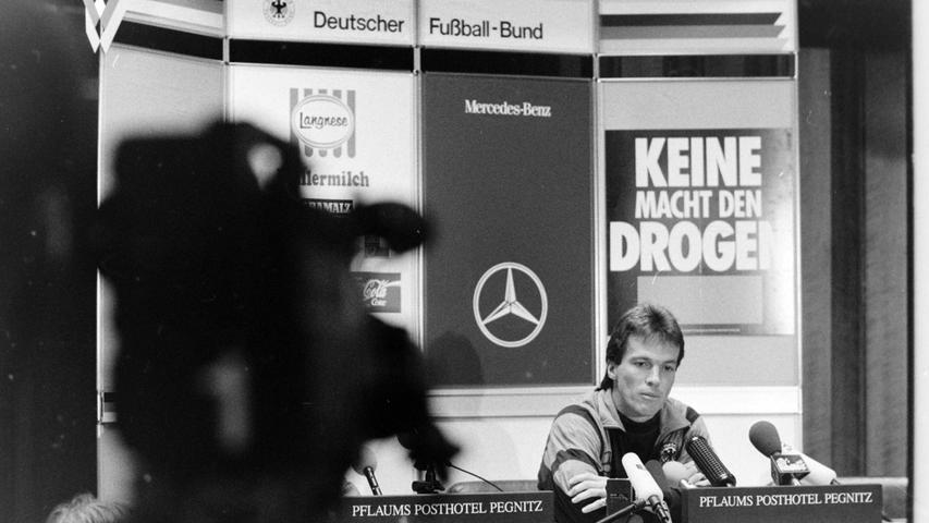 Lothar Matthäus war bei den Pressekonferenzen im PPP ein gefragter Mann. Foto: NN-Archiv