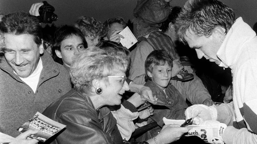 Die Autogrammjäger kamen voll auf ihre Kosten. Foto: NN-Archiv