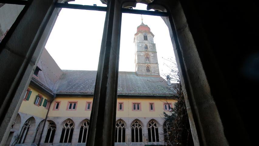 Vor der Sanierung: Blick in die Stadtkirche Langenzenn