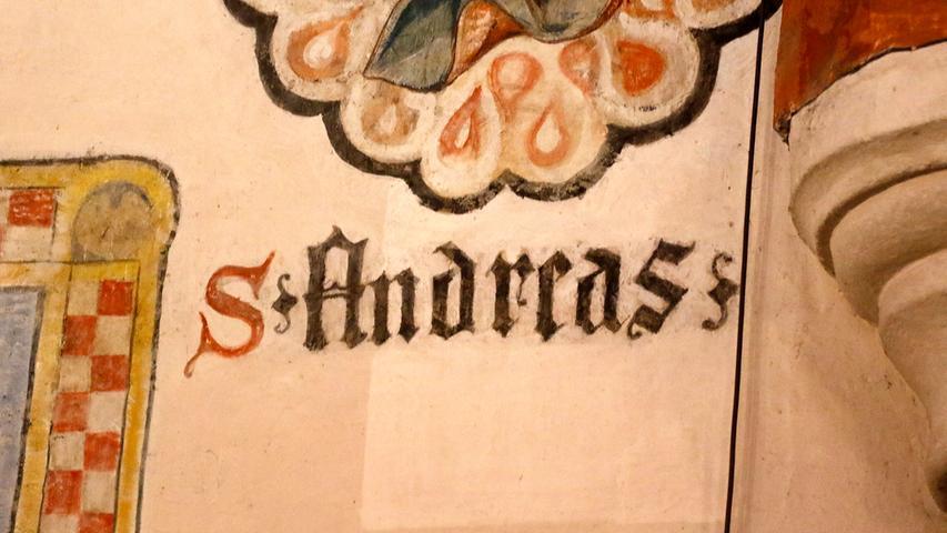 Am Fresko des St. Andreas ist am Farbunterschied heute schon zu sehen, welchen Effekt die Reinigungsarbeiten haben werden.