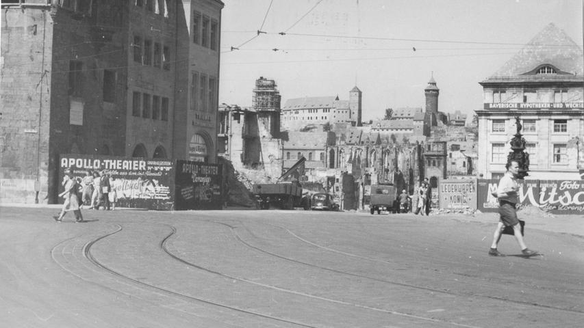 Seit 1949 wartet dieser Fall auf seine Aufklärung: Am 22. Februar erschoss ein Unbekannter in einem Uhrengeschäft in der Königstraße zwei Frauen und flüchtete. Für ungeklärte Morde aus Nürnberg gibt es übrigens eine eigene Bildergalerie.