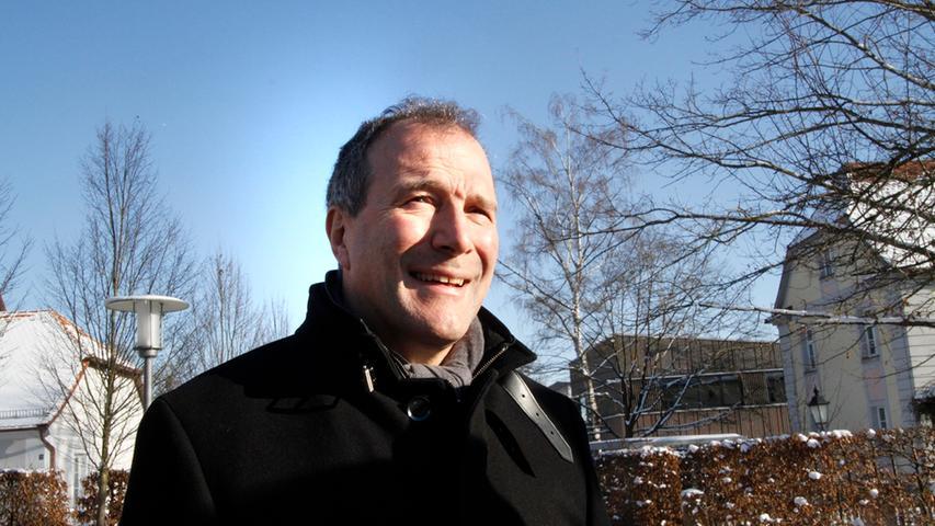 POLITIK Foto: Eduard Weigert Datum: 17.1.17..Alexander Hold, besucht die Landwirtschaftlichen Lehranstalten in Triesdorf. Freie Wähler..Direktor Otto Körner (links)