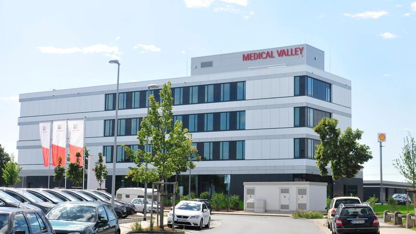Das Medical-Valley-Zentrum steht auf einem Teil des ehemaligen Ausstellungsgeländes. Die A73 ist nicht weit, ein Pluspunkt für viele Mieter.
