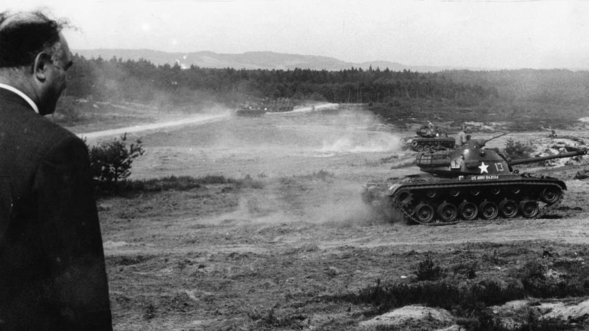 Auf dem Truppenübungsplatz inszenierte die US-Army auch schon mal einen kleinen Blitzkrieg - so wie hier in den 80ern. Die Wälder waren damals alles andere als ein Naherholungsgebiet.