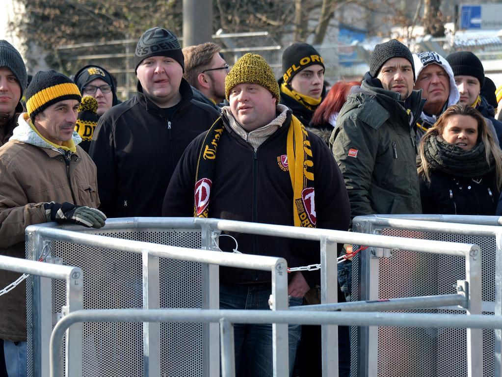 DATUM: 29.01.2017..RESSORT: Lokales ..FOTO: Horst Linke ..MOTIV: Clubspiel gegen Dynamo Dresden - Risikospiel..Dresden-Fans.....