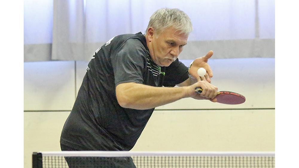 Punkteten im Einzel und Doppel für den ESV: Die Routiniers Roland Spitzbart …