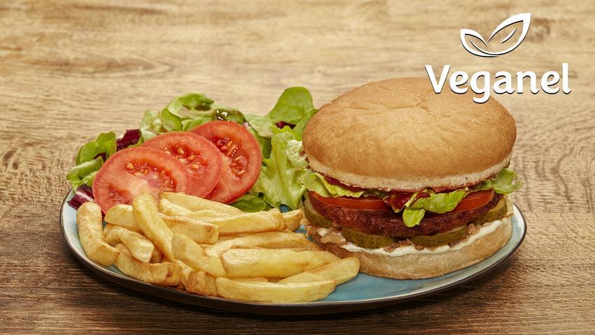 Im veganen Greenhouse Veganel im Herzen von Gostenhof blühen Genuss und Nachhaltigkeit. Hier ist wirklich alles vegan - auch die Burger. Der Vielseitigkeit tut das aber keinen Abbruch. Denn neben dem typischen Veggieburger kommen hier auch herzhaft-scharfe BBQ-Burger oder Monkey-Burger mit exotischer Erdnusssoße auf die Teller. Die Pommes sind Luft frittiert, ohne Öl und ohne Fett. Und auch bei kleinerem Geldbeutel ist Sattwerden garantiert, den billigsten Burger gibt's schon für 7.50 Euro.    Mehr zu Hempels gibt es in unserer Gastro-Datenbank.