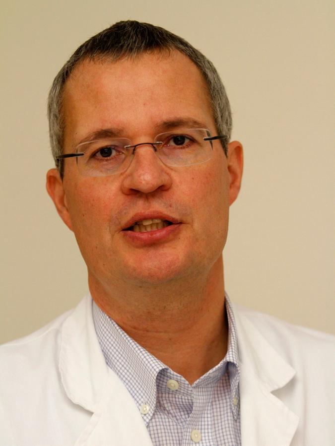 Prof. Dr. Joachim Ficker.