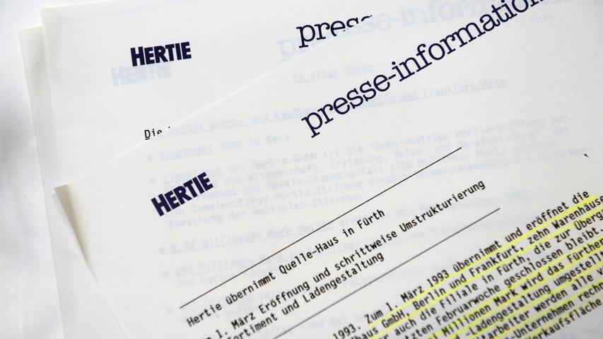 Im sauber geführten Archiv des Kollegen steckte unter anderem noch diese Pressemitteilung: Hertie übernimmt das Quelle-Kaufhaus an der Freiheit.