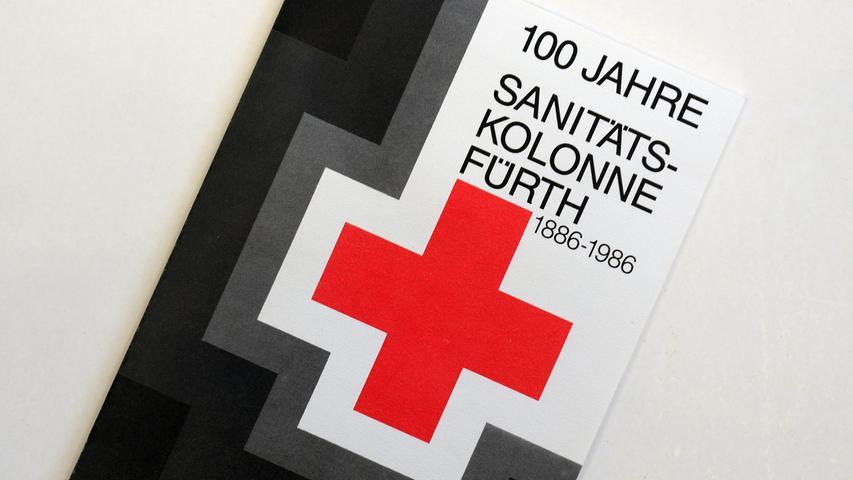 Fundstück aus dem Jahr 1986: Ein Band über die 100-jährige Geschichte der Sanitätskolonne.