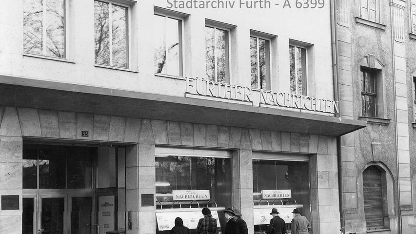 Für die Redaktion ist der Umzug ein großer Schritt: Schon um 1960 wurde der Fürther Lokalteil von der Moststraße 33 aus gemacht. Damals befand sich die Redaktion noch im Erdgeschoss, in Räumen, die heute zum griechischen Restaurant Penelope gehören.