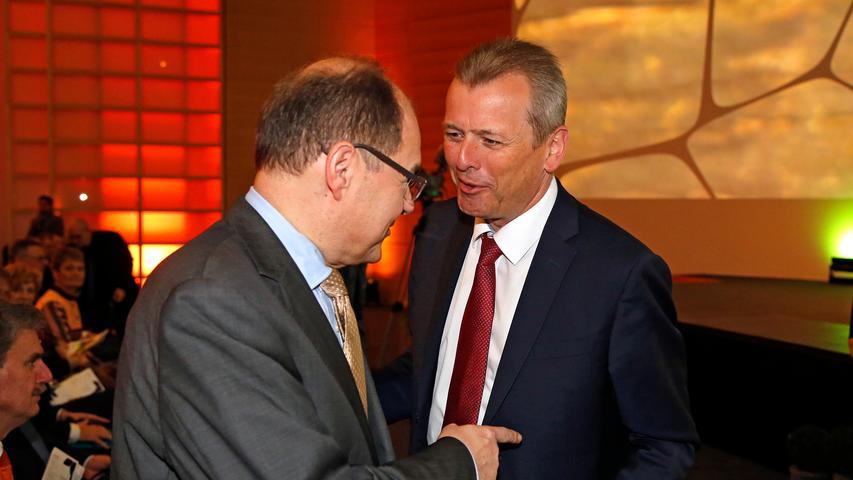 Hatten offenbar Spaß über Parteigrenzen hinweg: CSU-Mann Schmidt mit Nürnbergs OB Ulrich Maly von der SPD.