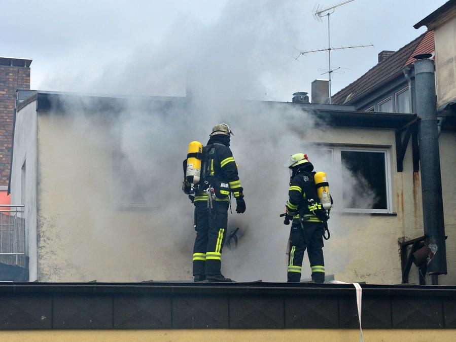 Erlangen Grosseinsatz In Erlanger Hauptstrasse Brand In