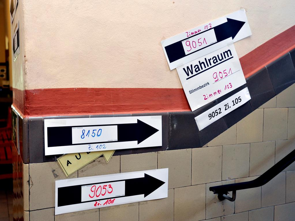 Nürnberg: Details aus einem Wahllokal (Bismarckschule).  22.9.2013 Foto: Harald Sippel