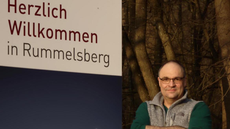 Hansjörg Albrecht arbeitet seit 20 Jahren für die Rummelsberger Diakonie, seine Kirchenmitgliedschaft hat er aber aufgekündigt.