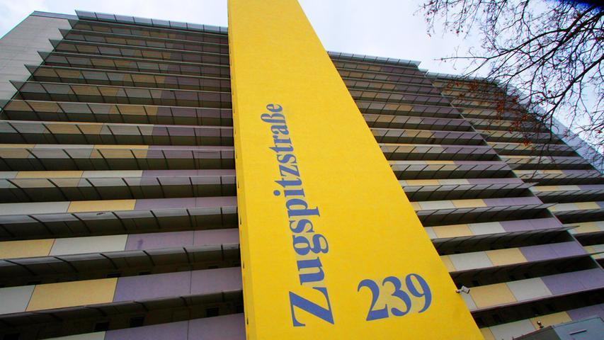 Und hier folgt das nächste Hochhaus aus Langwasser: Die Anwesen in der Zugspitzstraße 239 schaffen es mit 228 Bewohnern lediglich auf den fünften Platz in unserem Ranking.