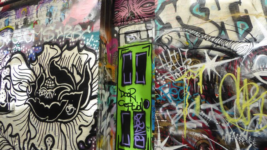 ...Straßen sind offiziell für Graffitis freigegeben. Anschauen kostet nichts.