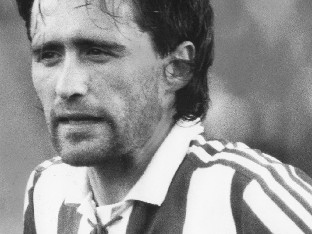 FOTO: NN / Eduard Weigert, historisch; 1990er; veröff. NN 22.04.1992..MOTIV: 1. FC Nürnberg, Jörg Dittwar, Libero und Manndecker.....KONTEXT: