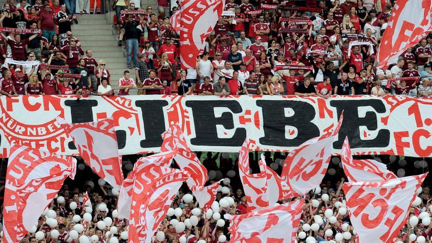 L wie leidensfähig: Mit dem Club oder auch auf fränkisch, dem Glubb, gehen die Nürnberger durch dick und dünn - egal wie aussichtslos die Lage auch scheint. Für sie ist klar: