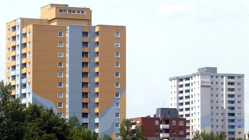 Und nochmal das gleiche Bild und nochmal Neuröthenbach. Diesmal dreht sich aber alles um das rechte Bauwerk in der Creglinger Straße 62. Dort leben 204 Nürnberger. Platz sechs!