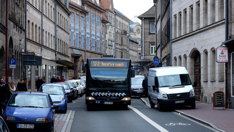 Autos, Räder, Busse: Ein Verkehrsentwicklungsplan soll skizzieren, wie das Miteinander auf den Fürther Straßen aussehen soll.