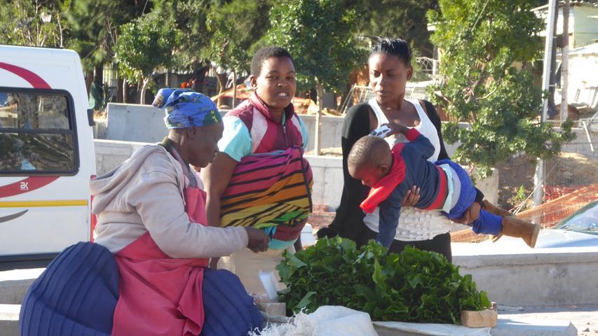 Marktfrauen in einem Township Kapstadts.