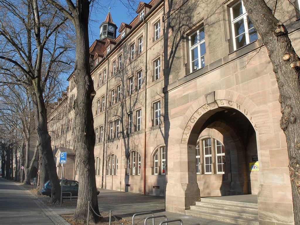 Nürnberg: Außenansicht der Schule in der Reutersbrunnenstraße. 30.12.2008. Foto: Harald Sippel