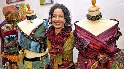 Gudrun Klembt zeigt handgefertigte und äußerst individuelle Mode.