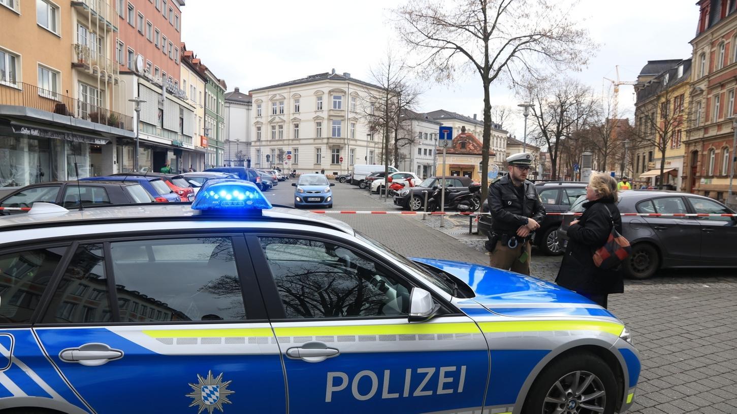 Am Freitagmittag ist der Bamberger ZOB in der Innenstadt weiträumig abgesperrt worden - zuvor hatte ein Mann üble Drohungen ausgestoßen.