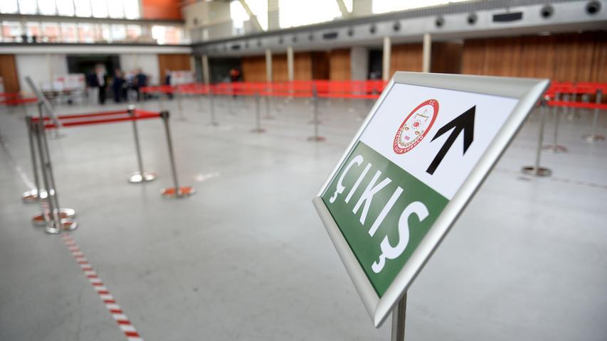 Fürth: Grüne Halle wird für Türkei-Referendum hergerichtet