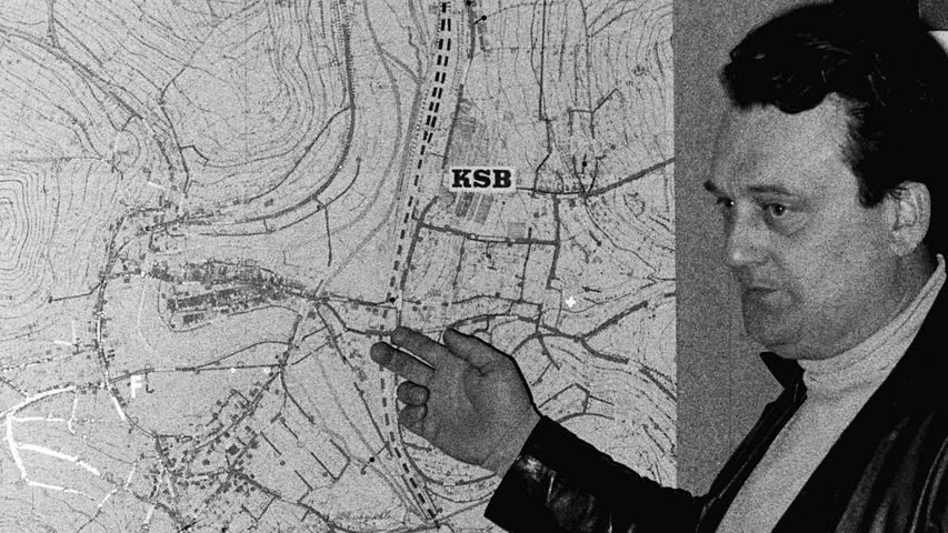 In rund 200 Stunden ehrenamtlicher Arbeit haben die beiden Pegnitzer Feuerwehrkommandanten Ulrich Popp (Bild) und Robert Schiener vor 40 Jahren einen Plan über sämtliche Wasserentnahmemöglichkeiten im Pegnitzer Stadtgebiet erstellt. Eine