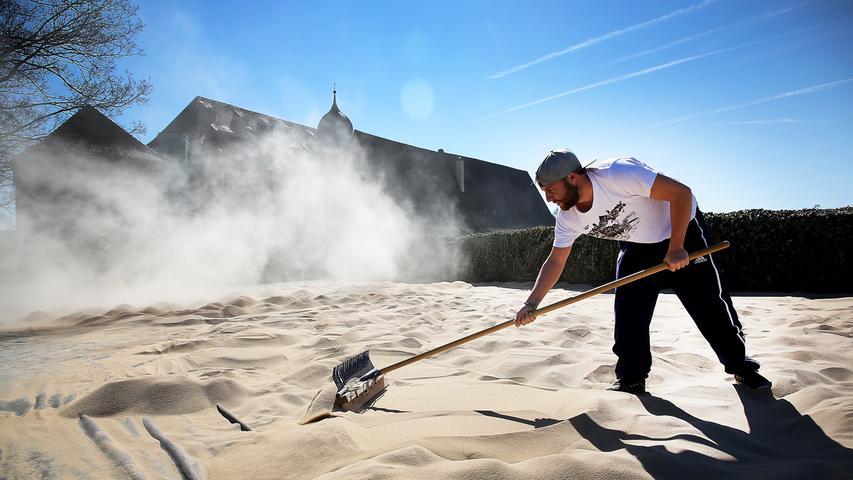 150 Tonnen Sand: Wie der Kaiserstrand in Forchheim geboren wurde