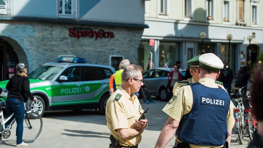 Schwerer Messerangriff in Regensburg: Kassiansplatz abgeriegelt