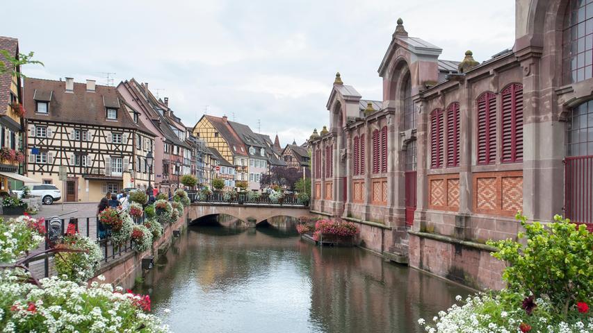 Colmar (hier eine heutige Stadtansicht) war neben Basel und Straßburg eine Station auf Albrecht Dürers Gesellenwanderung, auf die er sich 1490 begab. In Colmar hatte er bei Martin Schongauer als Geselle arbeiten wollen. Aber er traf dort erst nach dem Tod des Meisters ein.