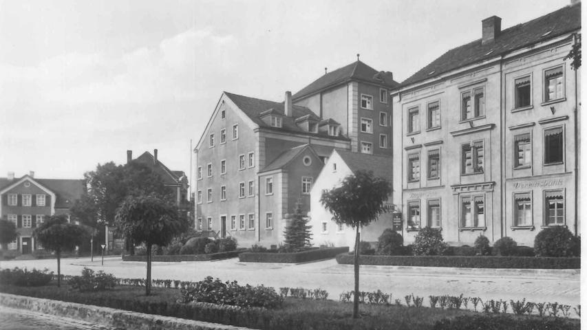 Nicht nur das Haus Silo muss dem Neubau des Landesamts für Schule weichen. Auch das Gebäude im Vordergrund, in dem frühere ein jüdisches Bankhaus untergebracht war.