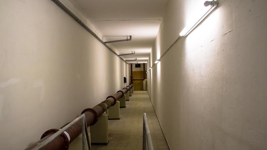 Lange Leitung: Ein großes Rohrleitungsnetz durchzieht den Hochbehälter.