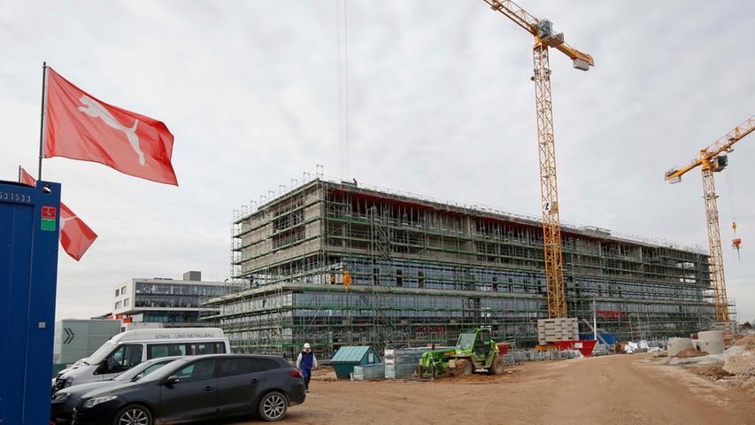In Herzogenaurach wurde zum 70. Jahrestag das neue Hauptquartier von Puma errichtet, dasder neue Arbeitsplatz für 550 Mitarbeiter werden soll. Im Juli 2018 wurde die Firmenzentrale am neuen Puma Way 1 bezogen.