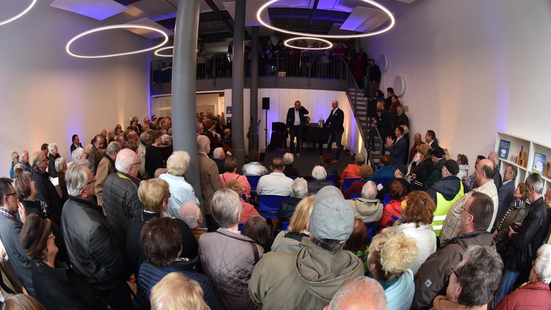 Bühnenprogramm: Volker Heißmann und Martin Rassau in der Geschäftsstelle der Fürther Nachrichten.
