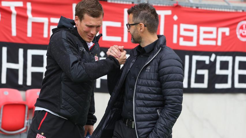 Jung, taktisch versiert und aufstiegserfahren: Hannes Wolf ließ bereits beim VfB Stuttgart flotten – und vor allem erfolgreichen - Fußball spielen. Bei den Schwaben scheiterte er, wie später auch beim HSV, an den hohen Erwartungen. Als Sky-Experte fühlt sich der gebürtige Bochumer zwar im Studio sehr wohl, eine Rückkehr auf die Trainerbank scheint aber möglich – sofern sich der Club mit dem einstigen Bundesliga-Dino, bei dem Wolf noch unter Vertrag steht, einigen kann. Tendenz: 55 Prozent