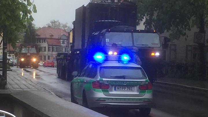 Und dann ging es nicht mehr weiter. Die Durchfahrt war dem Militärfahrzeug in Altdorf unmöglich, denn die Stadttore haben eine maximale Durchfahrtshöhe von 2,50 Meter.