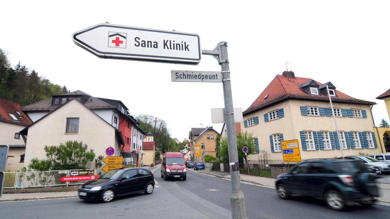Die Vollsperrung auf der Bundesstraße (Bild) in den Sommerferien wird sich auch auf die Sana-Klinik Pegnitz auswirken. Die Klinikleitung erfuhr davon aus der Zeitung.