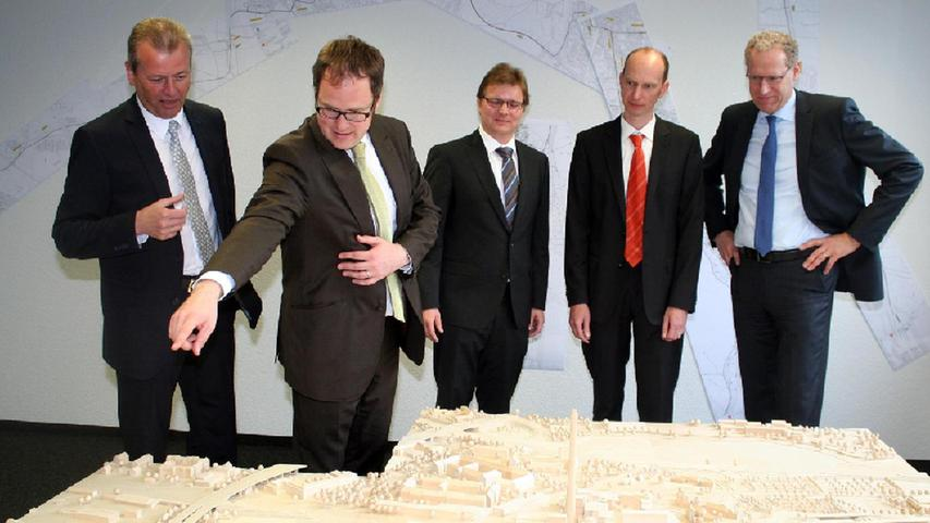 In Erlangen befindet sich die Geschäftsstelle des Zweckverbands.Leiter ist Daniel Große-Verspohl (Bildmitte).