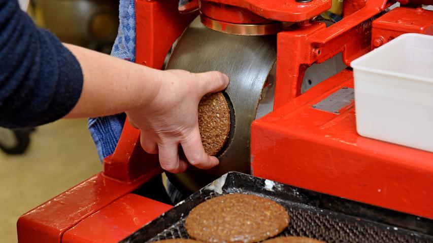 6. Wir haben die Lebkuchen. Die weihnachtliche Spezialität wird traditionell in und um Nürnberg hergestellt.