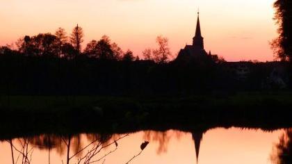 Dieses abendliche Stimmungsbild mit dem Titel «Wendelstein im November« ziert den Titel des neuesten Hefts der heimatkundlichen Schriftenreihe des Landkreises Roth.