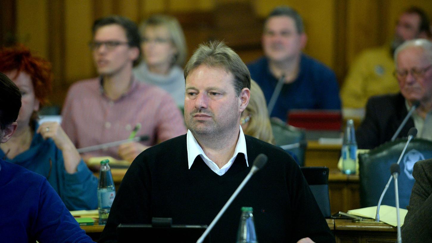 Dietmar Helm will Amtsinhaber Thomas Jung herausfordern.